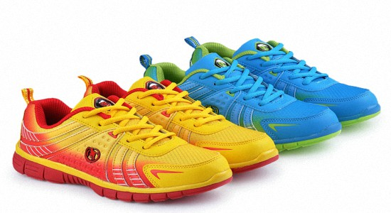Летняя спортивная обувь женская