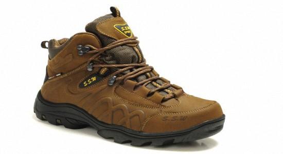 Зимняя спортивная обувь мужская