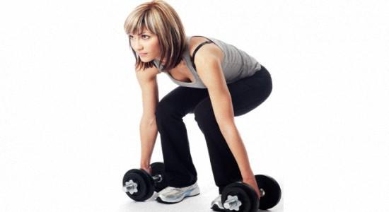Эффективные упражнения с гантелями для ягодиц