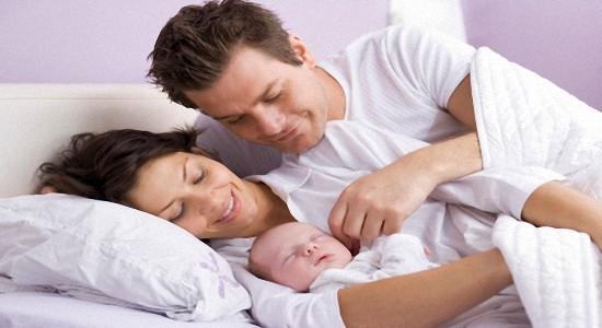 Первые дни жизни новорожденного - Правильный уход