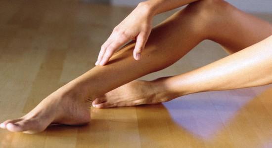 Почему появляются синяки на ногах